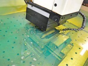 Fertigungsverfahren Senkerodieren bei der Proton GmbH in Kisslegg